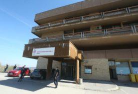 Još jedno SAMOUBISTVO U UKC RS: Pacijent skočio sa balkona kovid bolnice