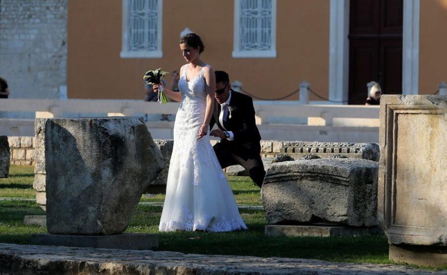 OTKAZANA VJENČANJA U godini korone čak 1.600 brakova manje