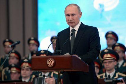 ON ZNA KAKO Vladimir Putin se obratio naciji povodom korona virusa i ZAROBIO njihovo povjerenje