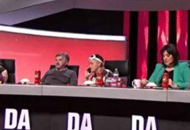 NEVJERICA U ZVEZDAMA GRANDA Marija došla u pidžami, a voditeljka pokazala duge i VITKE NOGE (FOTO)