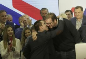LIDER SRBIJE OGOLIO DUŠU Vučić: Kao oca, BOLI me kampanja protiv sina