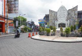 AVANTURA NAŠIH STUDENATA Zbog korone im PRISJEO ODMOR na Baliju, a ON ih zadužio za čitav život