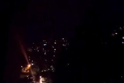NOVI HIT APLAUZA U OSAM Sa Beogradskih prozora smjenjuju se pjesme i dlanovi (VIDEO)
