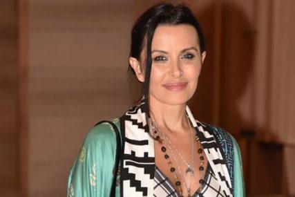 """""""Zabranjuje nam da puštamo narodnu muziku, jer to utiče na njene biljke"""" Elena Karić pravi skandale, a komšije je ne podnose"""