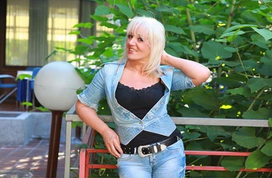 """""""MOGLA BIH U GINISA"""" Vera Matović pjevala i po 11 sati"""