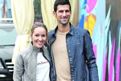 Puni baterije za novi turnir: Novak uz zalazak sunca i Jelenin zagrljaj uživa na odmoru (FOTO)