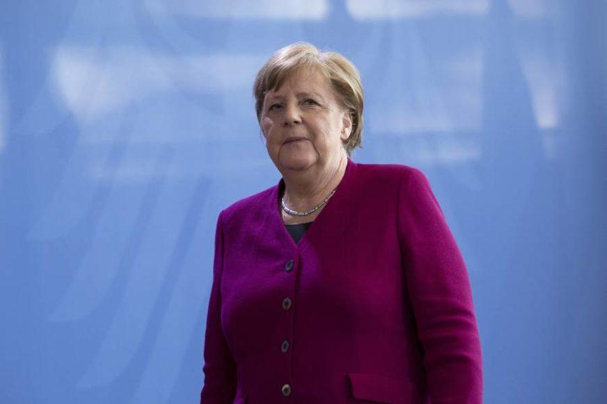 """""""OGRANIČENJA BILA NEOPHODNA"""" Merkelova ističe da su mjere sačuvale zdravstveni sistem"""
