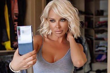 ONA JE PRAVA BOMBA Vatrena pjevačica NAPRAVILA BUM zbog fotografije na jahti