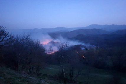 VATROGASCI PREDANI SVOME POSLU Od osam časova se bore sa šumskim požarom na Palama