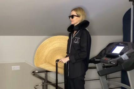 NASMIJALA ČITAV SVIJET Djevojka pokazala kako vježba za putovanja KADA KORONA PROĐE (VIDEO)