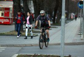 """NOVA INICIJATIVA CZŽS Postaviti dodatnu signalizaciju """"Biciklisti na putu"""""""