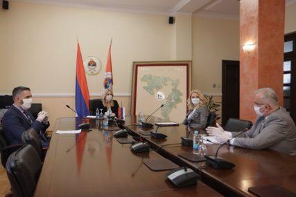UPUTSTVO ZA OCJENJIVANJE UČENIKA PROSLIJEĐENO VLADI Sastanak radnog tima za obrazovanje Srpske