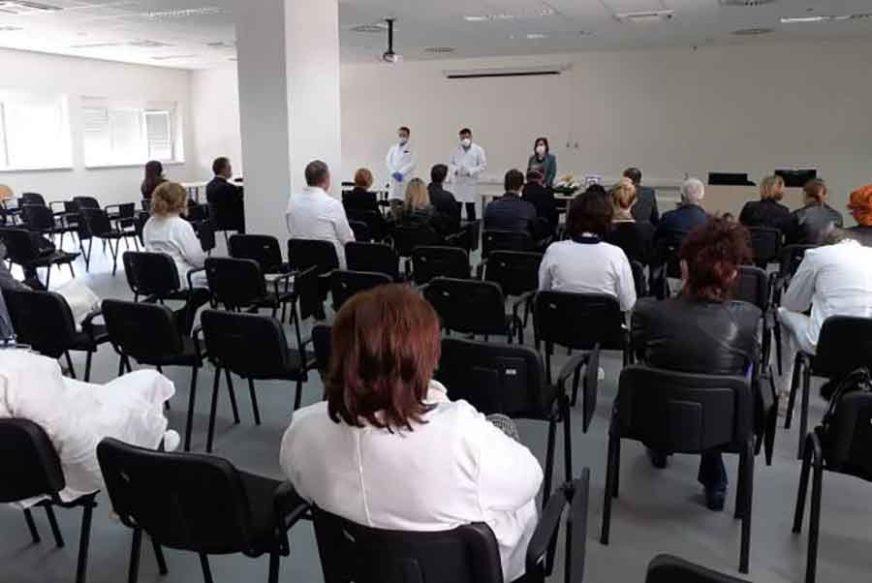 OPROŠTAJ PORODICE, PRIJATELJA I RADNIH KOLEGA Održana komemoracija doktoru Draganu Vojvodiću