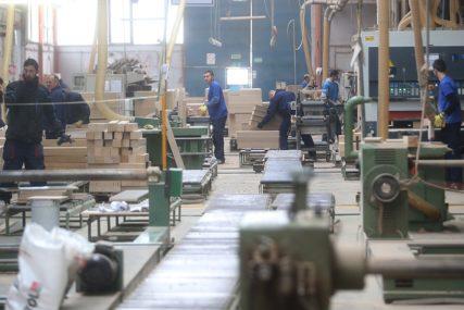 Neće biti MASOVNOG OTPUŠTANJA radnika: Vlada traži ŠTEDNJU u narednoj godini, a sindikat minimalac 550 KM