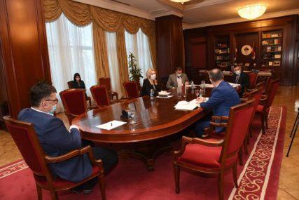 BORBA SA KORONA VIRUSOM Rusi će narednih dana dezinfikovati bolnice i karantine u Srpskoj