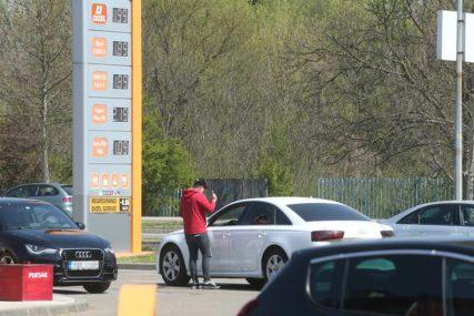 """""""POJEFITINIĆEMO GORIVO"""" Naftni distributeri poručili da će poštovati Uredbu Vlade RS"""