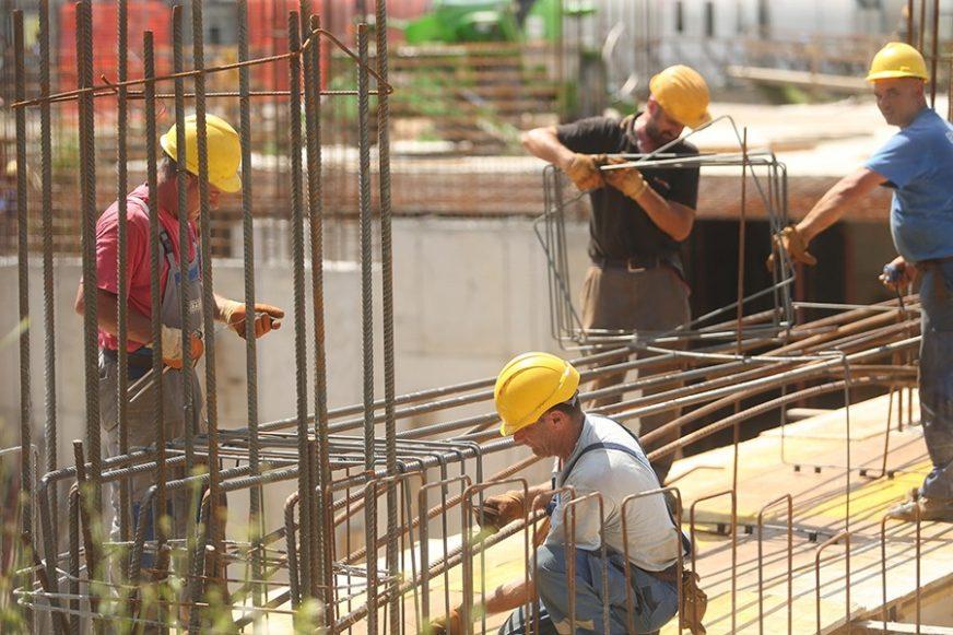 NJEMAČKE KOMPANIJE PONOVO TRAŽE POMOĆ DRŽAVE Raste interesovanje za naknade za plate radnika