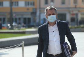 """""""SEPTEMBAR KRITIČAN"""" Radojičić tvrdi da nema potrebe za radikalnijim mjerama protiv korone"""