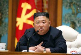 VRATIO SE KIM, USLIJEDILE TENZIJE Razmjena vatre na granici dvije Koreje