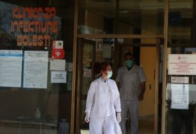 STAV STRUKE O MUTACIJI KORONE Isti virus nas i dalje napada, ali se sada BRŽE PRENOSI