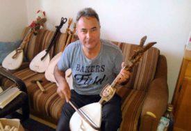 SPRETNE RUKE MILOVANA (50) Gusle majstora sa Romanije nalaze se u domovima širom svijeta (FOTO)