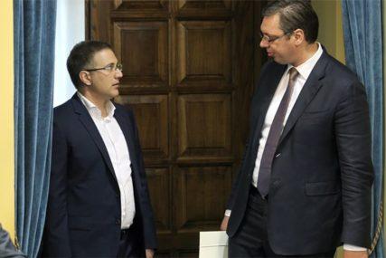 PRIJETIO PREDSJEDNIKU I MINISTRU Uhapšen muškarac zbog prijetnji Vučiću i Stefanoviću