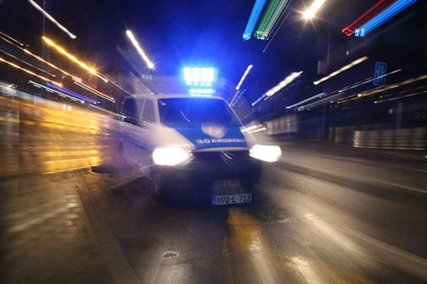 MOTORNOM PILOM NA POLICAJCE Nakon filmske potjere u Brodu uhapšen šumokradica, njegov otac u bjekstvu