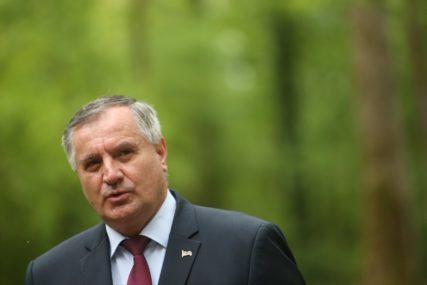 NE BI MOGLO FUNKCIONISATI Višković: Za ublažavanje posljedica korone 100 miliona KM suficita