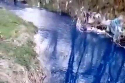 NE, NIJE U PITANJU ČUDO PRIRODE Rijeka u Srbiji postala azurno plava i SMRDI (VIDEO)