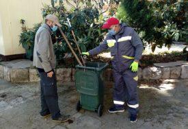 VRIJEDNI UJAK I SESTRIĆ RAZBILI PREDRASUDE Romi iz okoline Trebinja čiste i pospremaju grad
