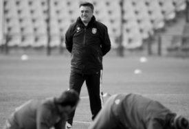 """""""OSTALA JE PRAZNINA U SRCU"""" Fudbalski savez Srbije se oprostio od Antića"""