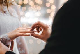 LJUBAV NE BIRA VRIJEME I OKOLNOSTI Istrčao polumaraton, pa zaprosio djevojku