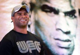 UFC 172 Overim prekidom slavio protiv Herisa (VIDEO)