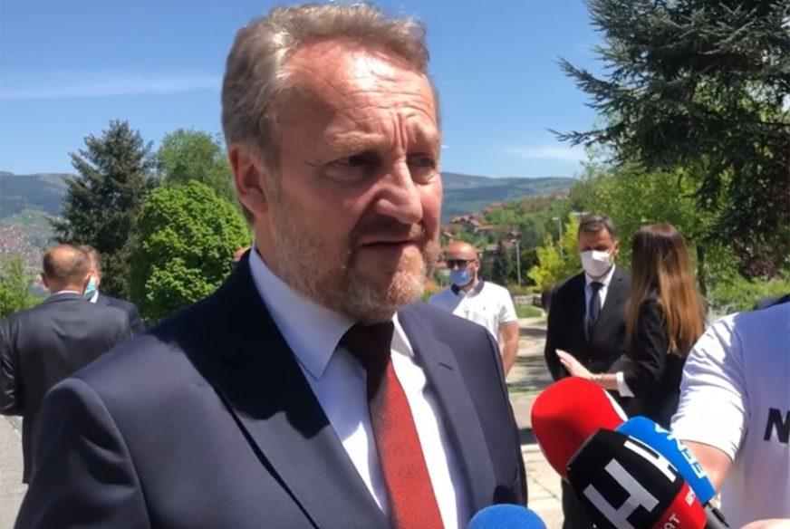 GUBITNIK DANA Bakir Izetbegović