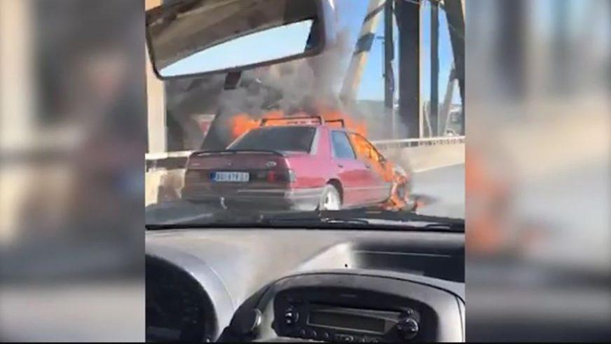 BUKTINJA NA MOSTU U BEOGRADU Automobil se zapalio tokom vožnje (VIDEO)