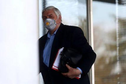 """""""NE BAVIM SE POLITIKOM, NE ZNAM ZAŠTO"""" Doktoru Tiodoroviću IZGREBALI AUTO dok je bio na sastanku"""
