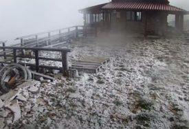 DINARA SE ZABIJELILA Snijeg pao sedam dana uoči klimatološkog ljeta (VIDEO)