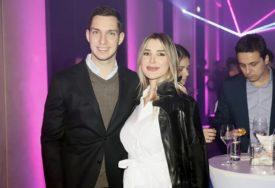 """""""BOŽANSTVEN I NEPONOVLJIV"""" Dragana Džajić ne krije koliko je srećna, suprugu na PREDIVAN način čestitala rođendan"""