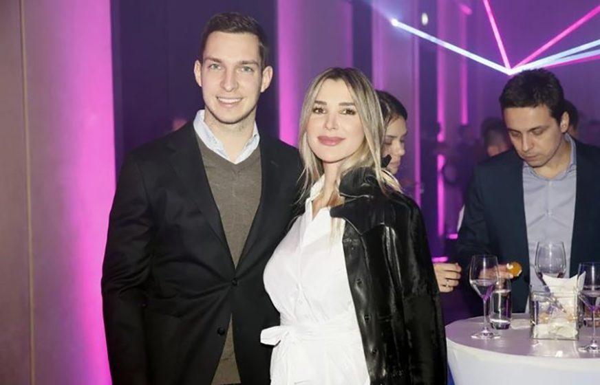 UŽIVAJU U LJUBAVI Dragana Džajić na godišnjicu braka poslala POSEBNU PORUKU mužu (FOTO)
