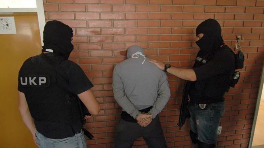 Uhapšen zbog OMALOVAŽAVANJA POLICIJE: Zbog neprimjernog ponašanja PALE LISICE NA RUKE