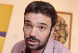 NA LITURGIJU U POLA ŠEST UJUTRU Popularni glumac radi, ali i uživa u Kijevu