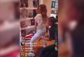 ZAVODLJIVI PLES Kija Kockar napravila žurku u stanu, koleginice je iznenadile (VIDEO)