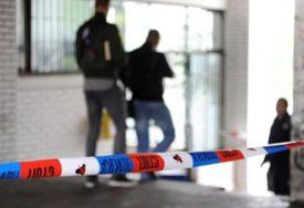 MOTKOM KOMŠIJI NANIO TEŠKE POVREDE Napadaču određen pritvor zbog pokušaja ubistva