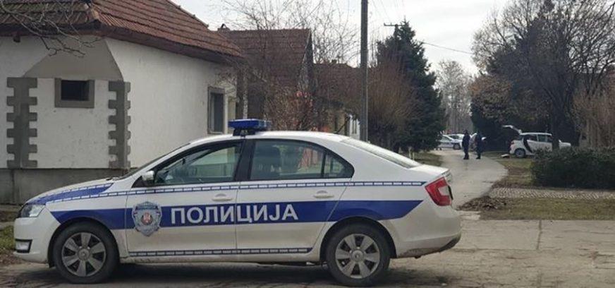 """""""KAUBOJSKA"""" PLJAČKA Razbojnici radniku kurirske službe uperili PIŠTOLJ U GLAVU i oteli novac"""
