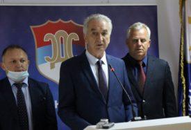 """""""OVA AFERA MOŽE DA NADMAŠI SVE"""" Šarović ne odustaje od tužbi protiv Dodika"""