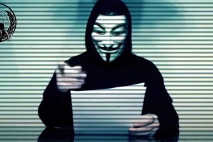 """HAKERI SE UKLJUČILI U PROTESTE """"Anonimusi"""" napadaju policiju Mineapolisa"""