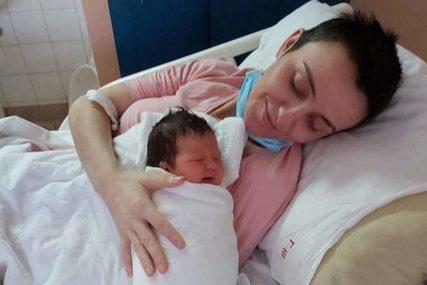 Nevjerovatna priča Banjalučanke: Dragana je pobijedila smrt i porodila se na svoj rođendan (FOTO)