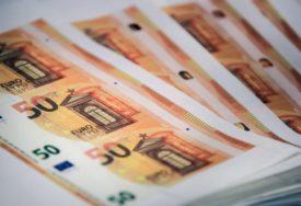PRIJAVILO SE ČETIRI MILIONA LJUDI Danas počinje isplata 100 evra punoljetnim građanima Srbije