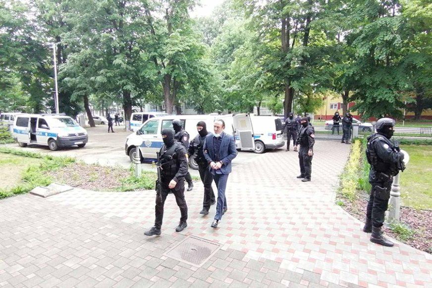 IZREŠETALI GA SA 24 HICA Bulatoviću i Vidoviću 35 GODINA ROBIJE za ubistvo Miroslava Lazarevića