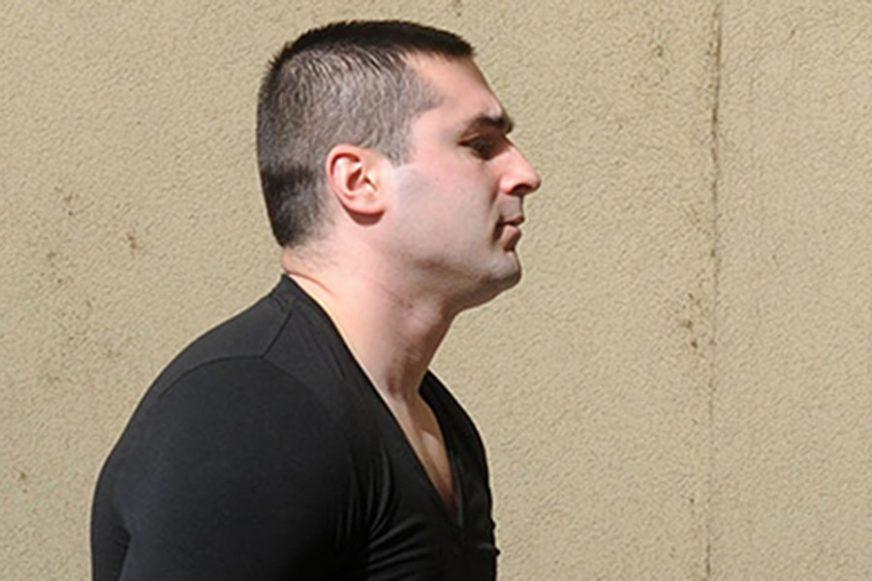 POLICIJA TRAGA ZA UBICOM Raspisana potraga za Sinišom Šakićem zbog ubistva Slaviše Ćuluma